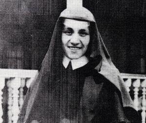 Mother-Teressa-as-a-Loreto-nun