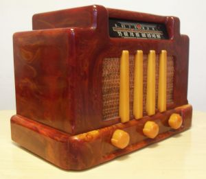 Radio in Bakelite plastic